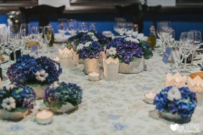 una boda decorada en azul