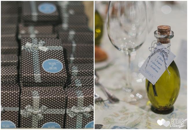una boda decorada en azul detalles invitados