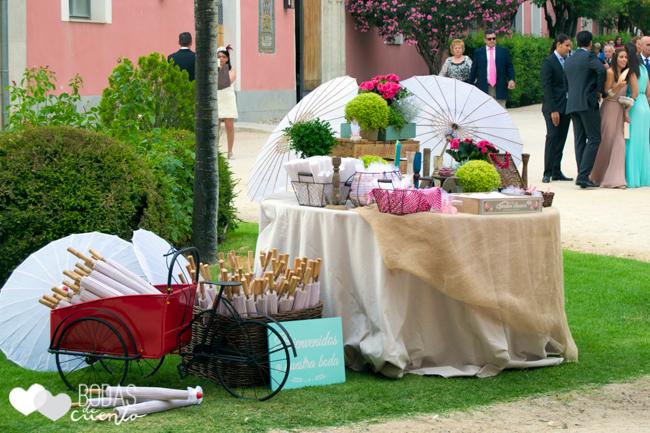 Sombrillas para ceremonia. Decoración de bodas, Bodas de Cuento wedding planner Boda Madrid