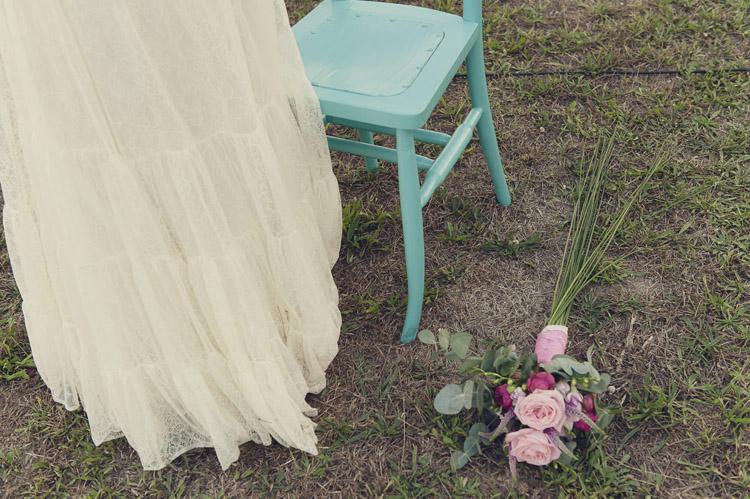 Organización y diseño: Bodas de Cuento Wedding Planners, Vestido de Otaduy, foto Iolanda Sebé www.bodasdecuento.com