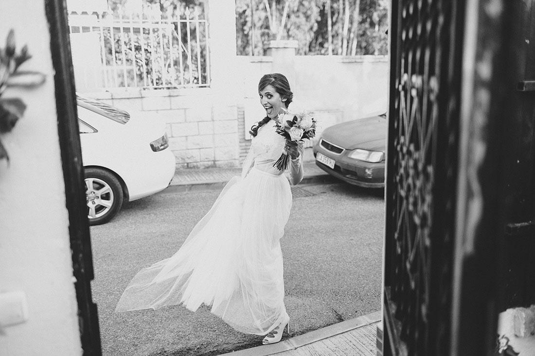 novia-guapa-sonriente-www.bodasdecuento.com