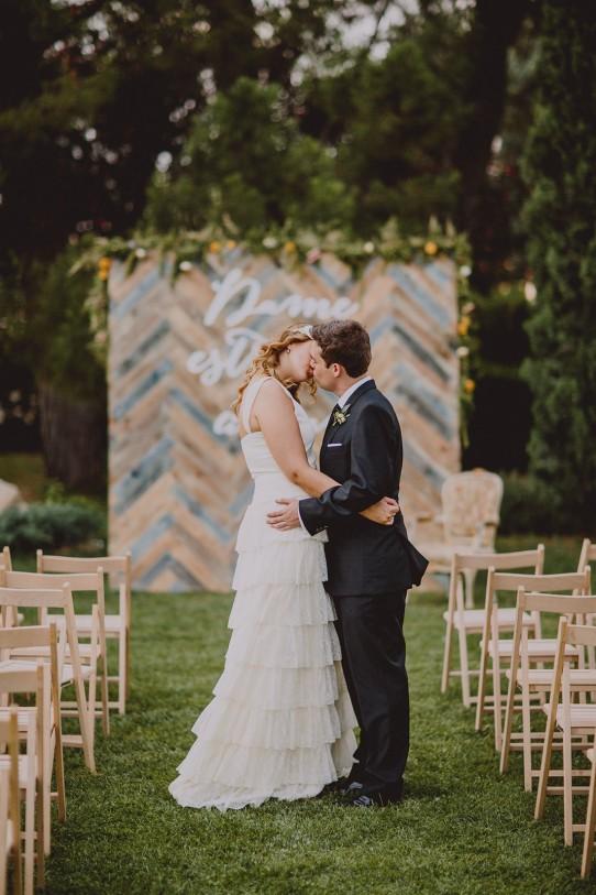beso novios wedding planner zaragoza www.bodasdecuento.com