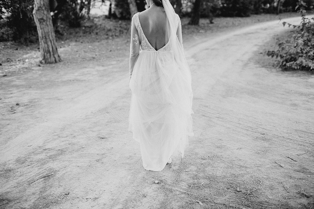 novia-vestida-de-tul-www.bodasdecuento.com