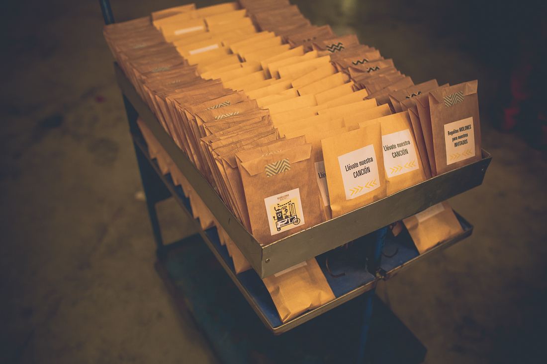 regalos invitados boda industrial www.bodasdecuento.com