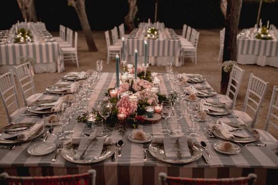 mesa-presidencial-boda-románticawww.bodasdecuento.com