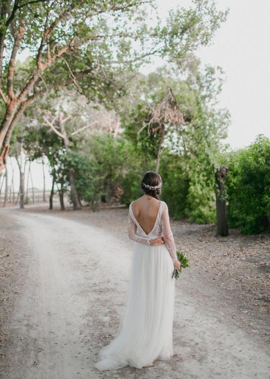 novia-de-espaldas-www.bodasdecuento.com