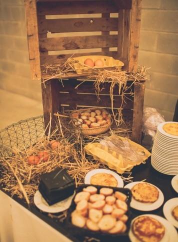 decoración buffet tortilla boda www.bodasdecuento.com