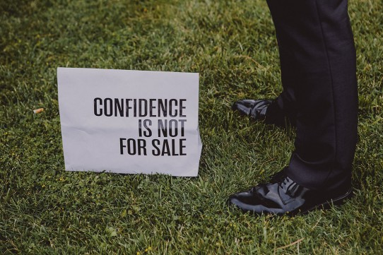 confidence is not for sale www.bodasdecuento.com