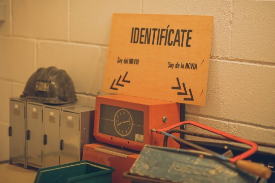 placas identificativas invitados boda www.bodasdecuento.com