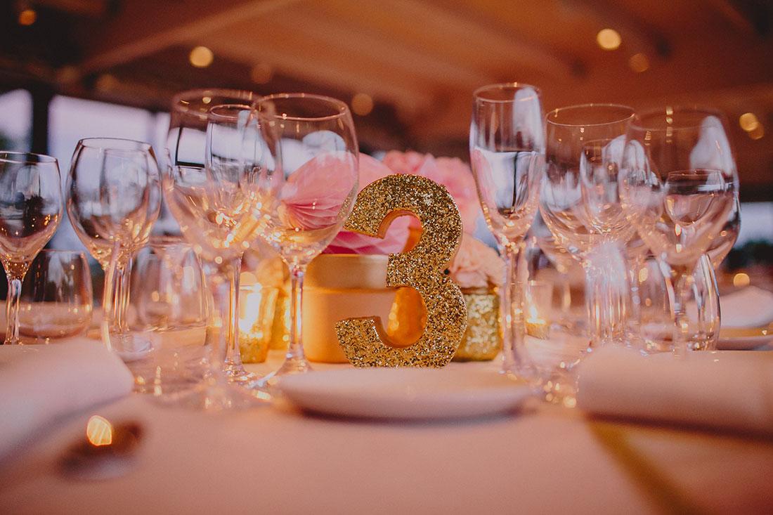 número de mesa dorado wedding designer www.bodasdecuento.com