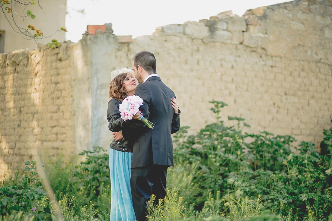novia con tocado industrial www.bodasdecuento.com