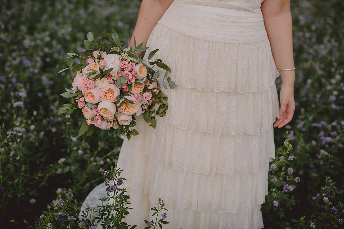 novia otaduy con ramo