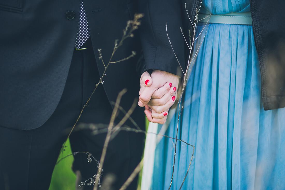 novia con uñas rojas www.bodasdecuento.com