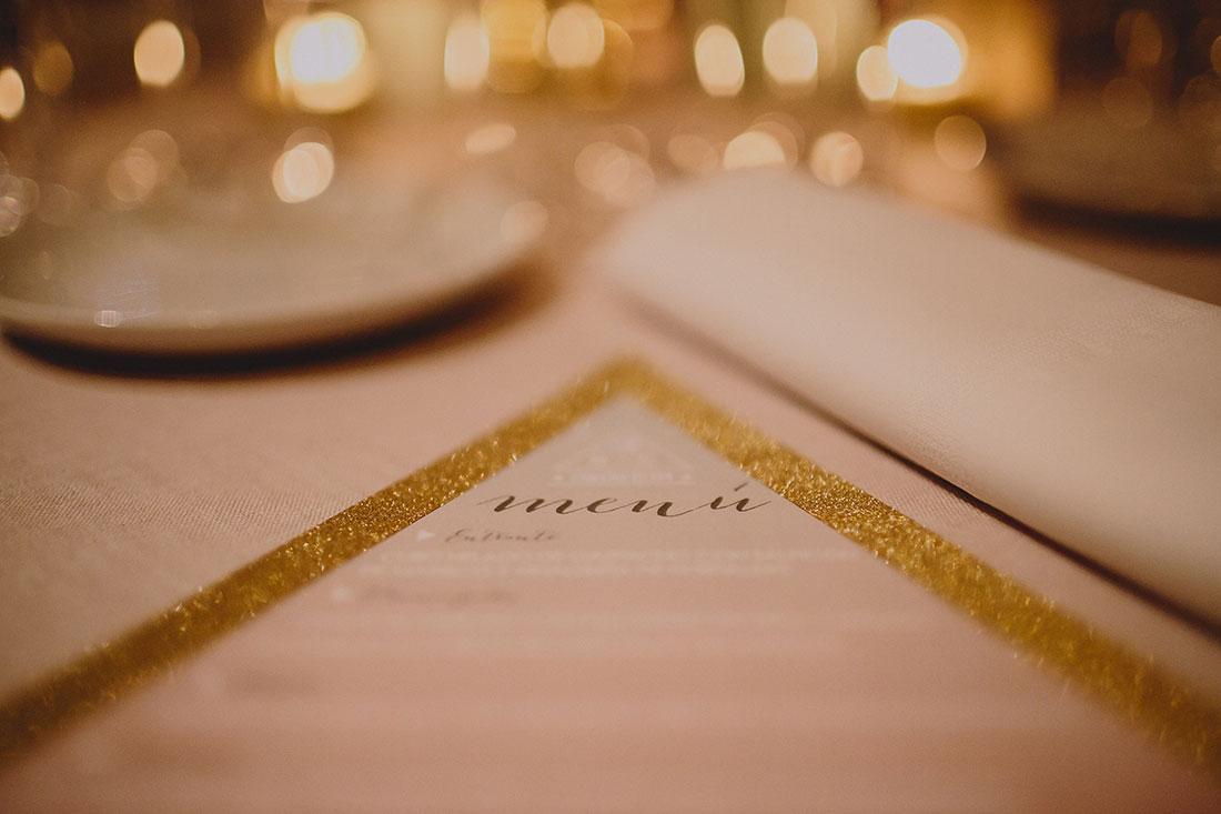 menú de boda en dorado www.bodasdecuento.com