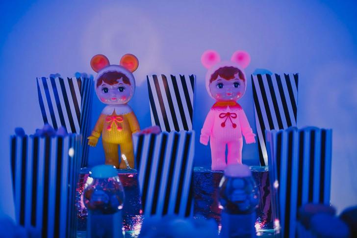 decoración candybar boda con iluminación