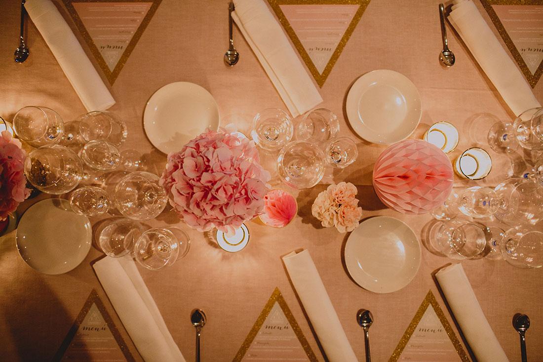 mesa de boda en rosas y dorados wedding designer www.bodasdecuento.com