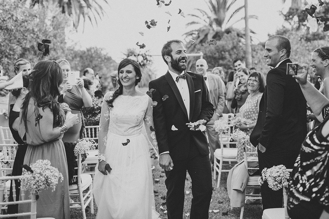 salida-ceremonia-cortijo-www.bodasdecuento.com