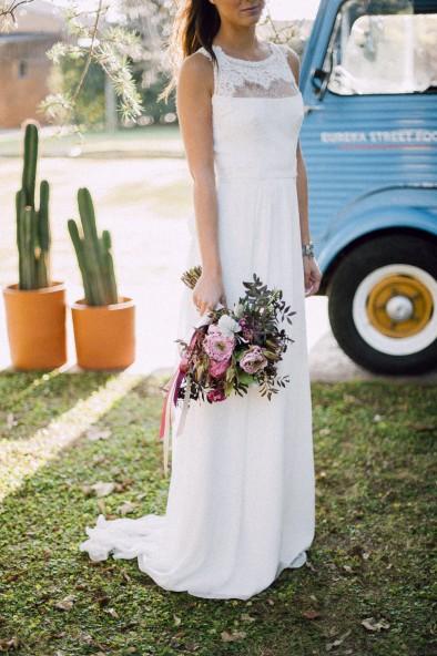 ramo de novia con cintas www.bodasdecuento.com