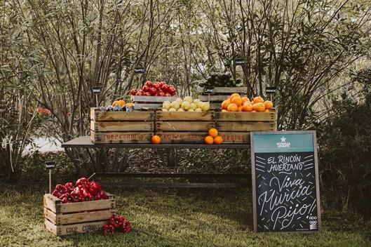 decoración con frutas www.bodasdecuento.com