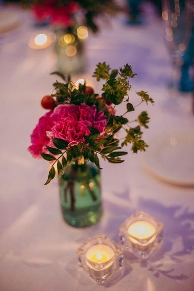 decoración con flores recepción invitados www.bodasdecuento.com