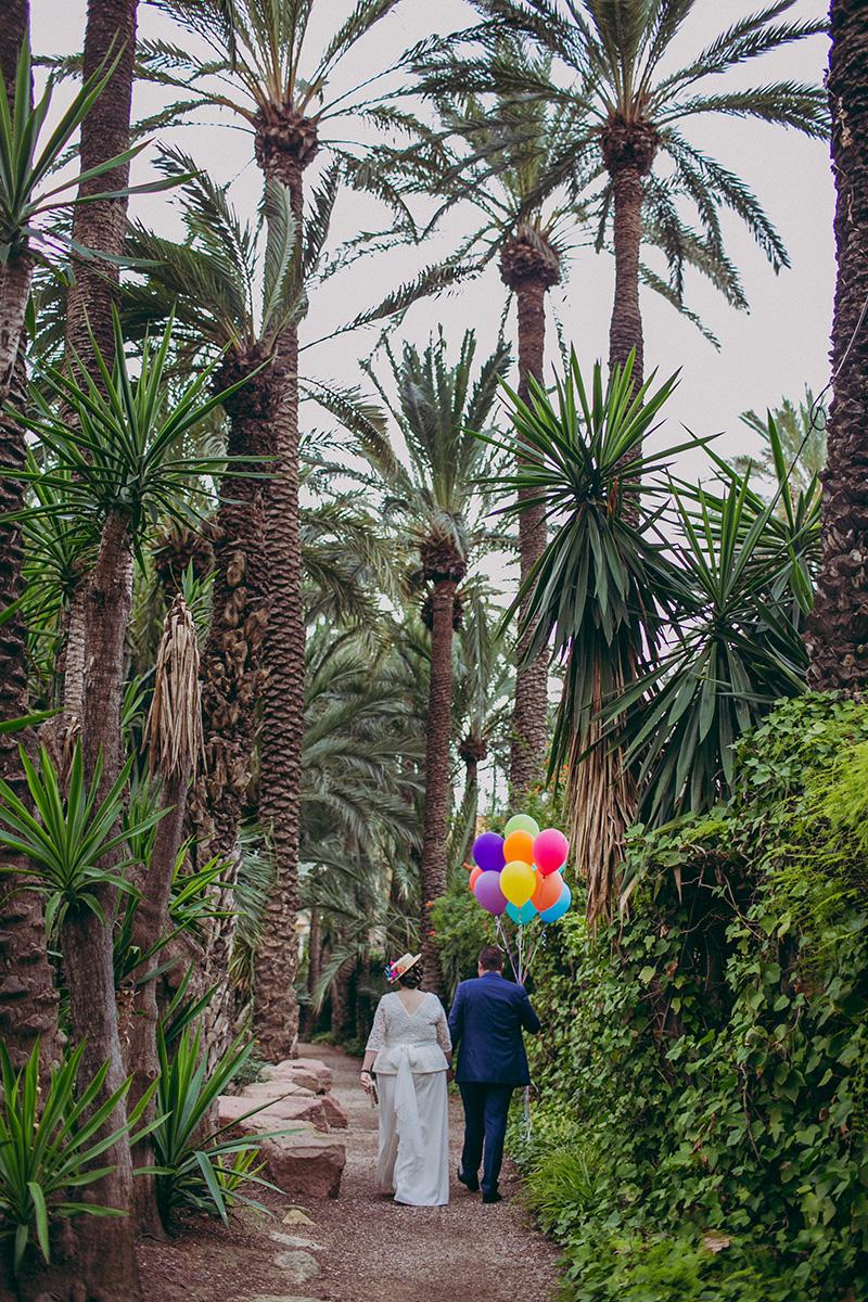 novios-up-paseando www.bodasdecuento.com
