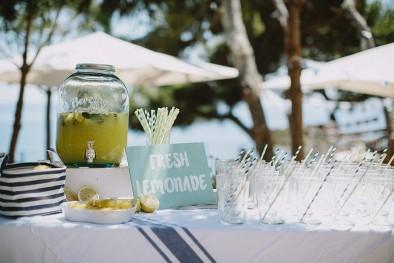 mesa limonada boda www.bodasdecuento.com