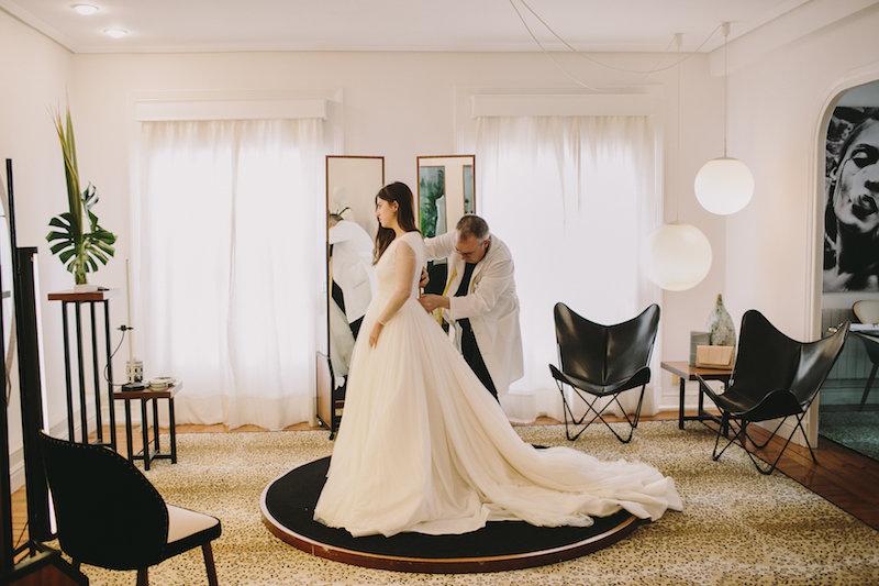 Prueba de vestido de Novia www.bodasdecuento.com