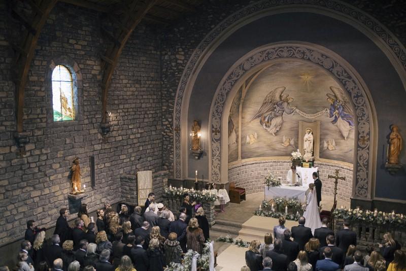 ceremonia religiosa en invierno www.bodasdecuento.com