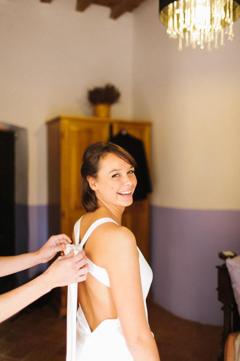 vestido novia espalda cruzada www.bodasdecuento.com