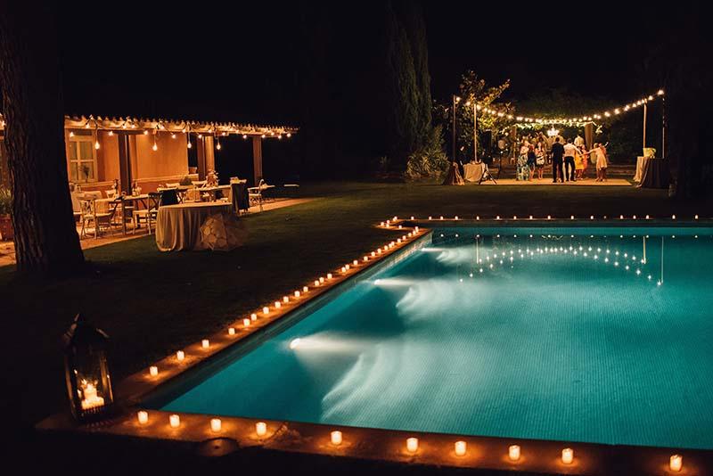 decoración boda guirnaldas de luces www.bodasdecuento.com