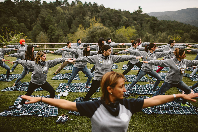 yoga-camp-shool www.bodasdecuento.com