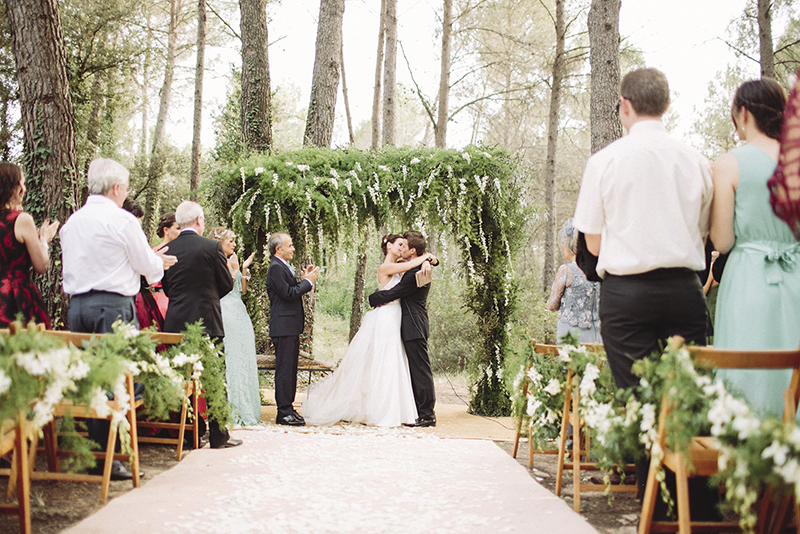 beso novios www.bodasdecuento.com