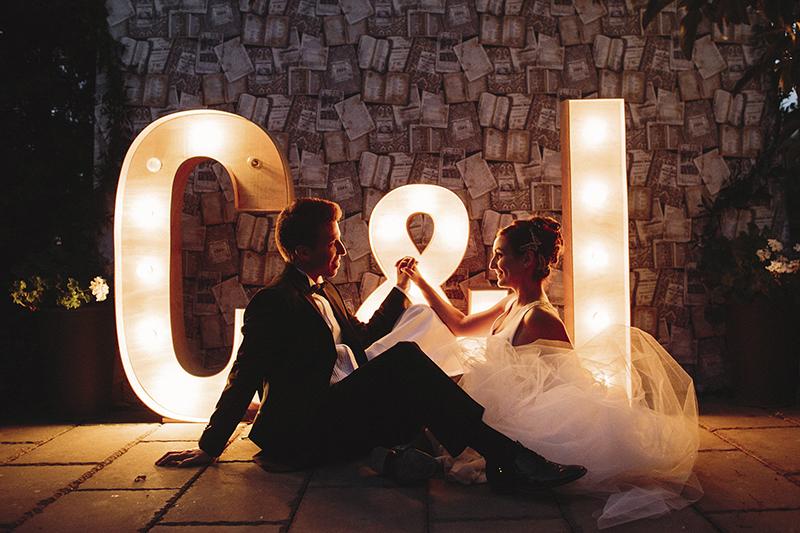 letras luminosas de madera www.bodasdecuento.com