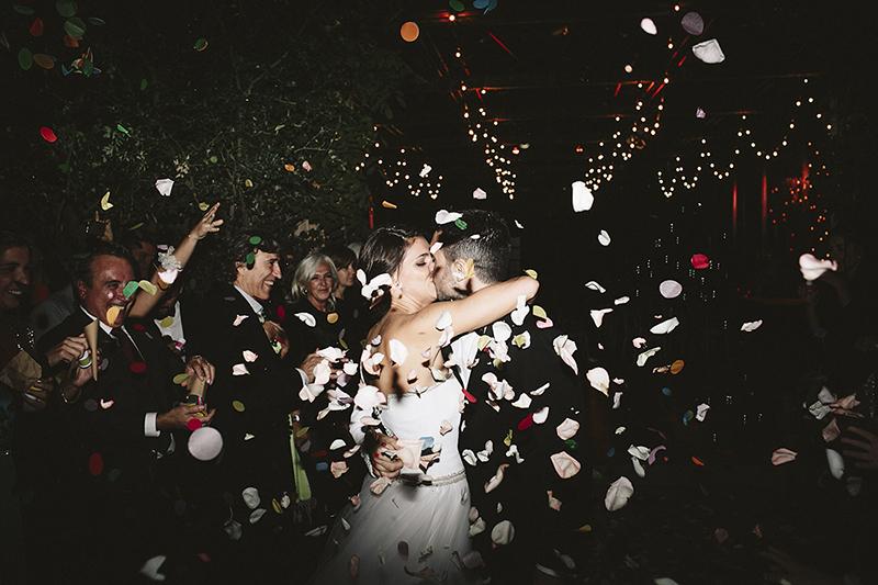 salida ceremonia novios www.bodasdecuento.com