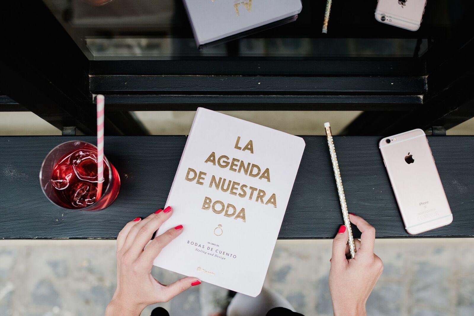 Agenda perfecta para organizar tu boda bodasdecuento.com
