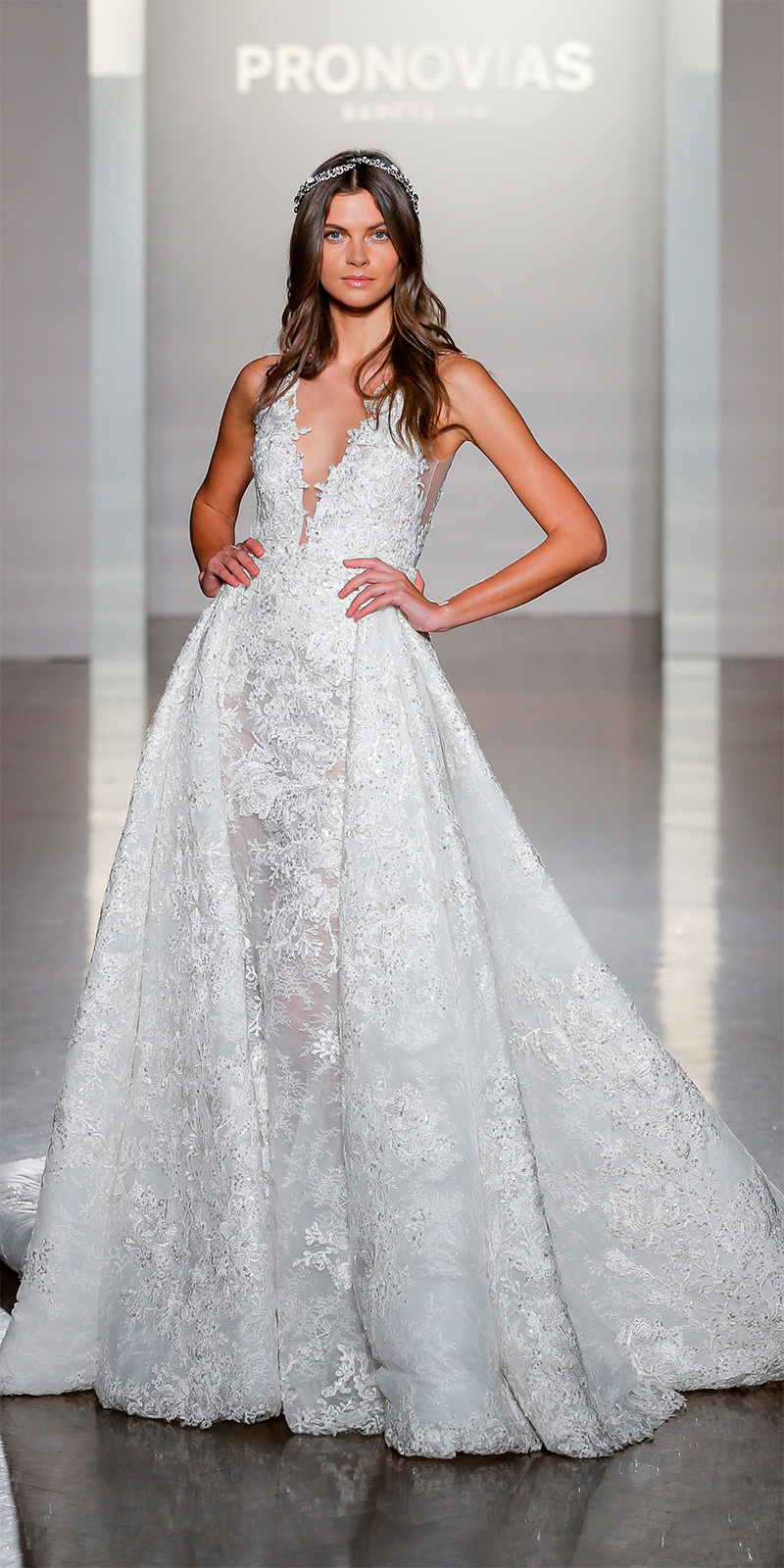 pronovias-ny-fashion-show_nilay