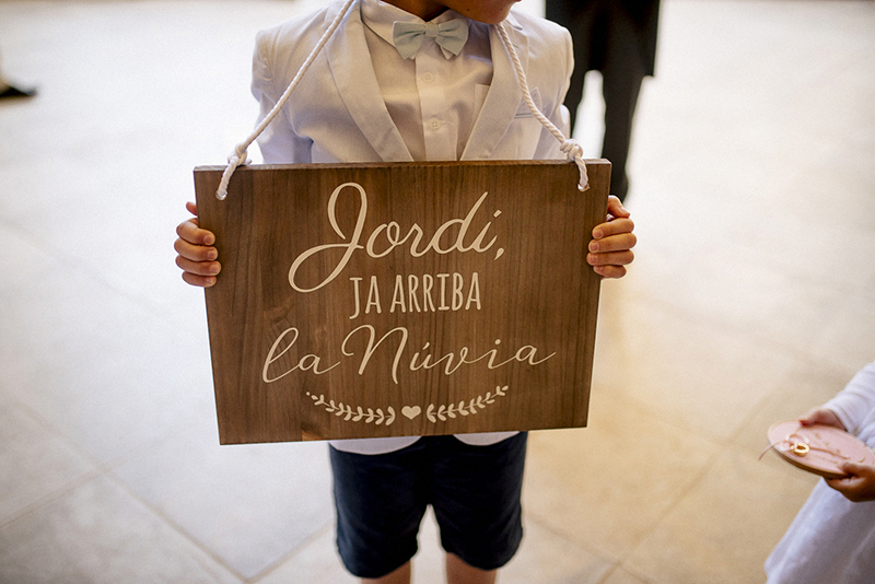 cartel ya llega la novia www.bodasdecuento.com