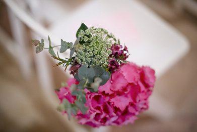 detalle floral ceremonia www.bodasdecuento.com