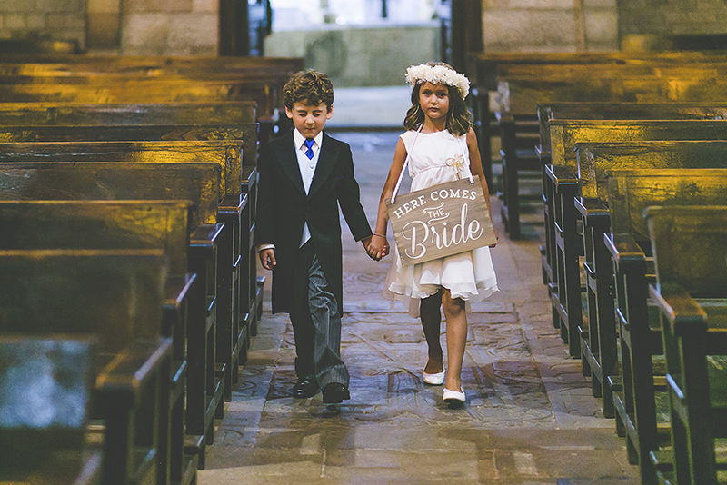 cartel ya viene la novia www.bodasdecuento.com