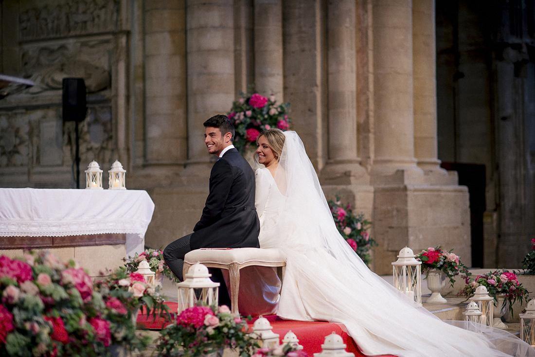 vestido novia cola larga www.bodasdecuento.com