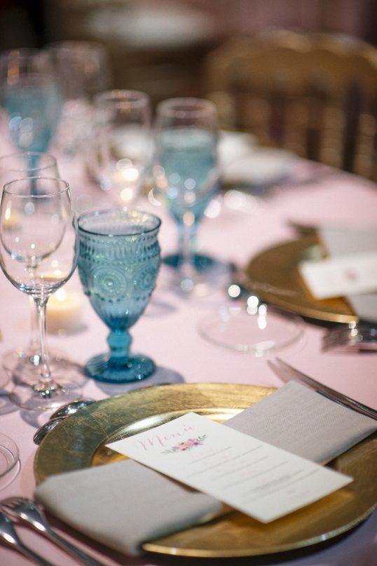 copa de agua color azul www.bodasdecuento.com
