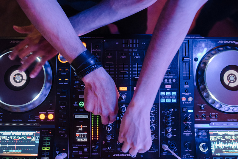 dj bodas quim clark www.bodasdecuento.com