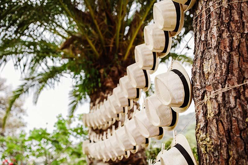 sombreros para boda www.bodasdecuento.com