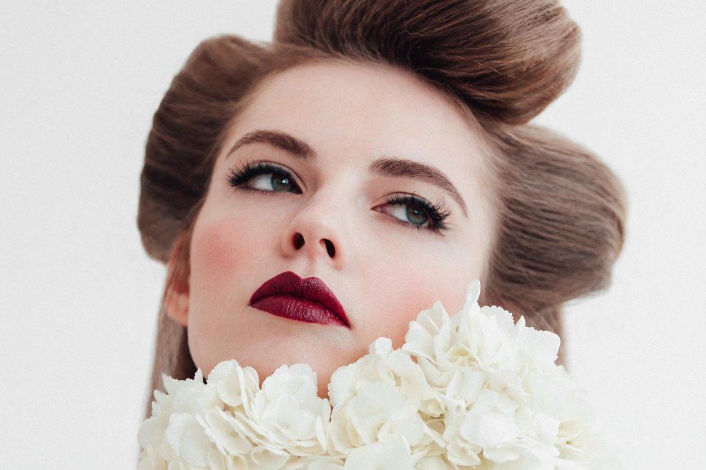 Oui Novias maquillaje para novias 2018 www.bodasdecuento.com