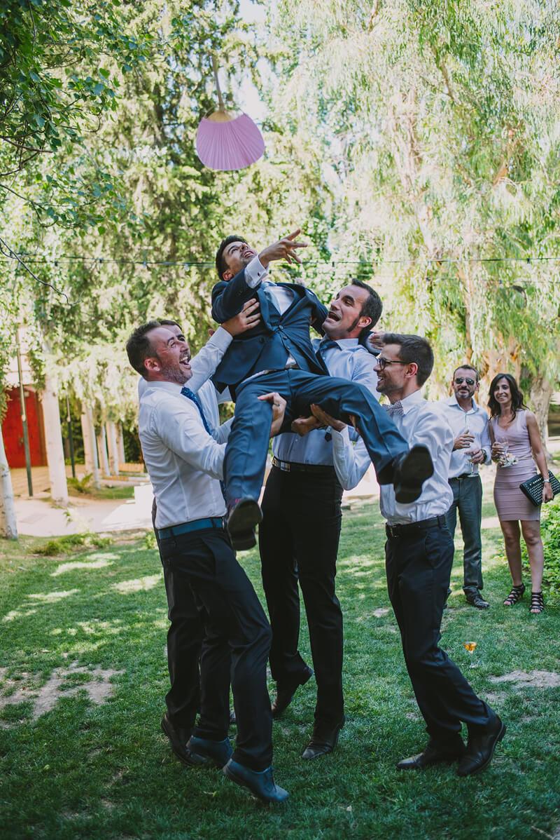 novio manteado www.bodasdecuento.com