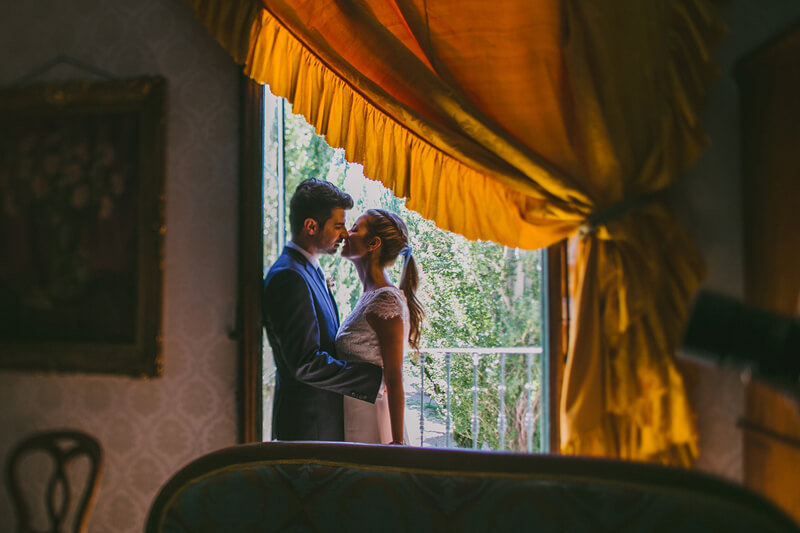 novia con coleta www.bodasdecuento.com