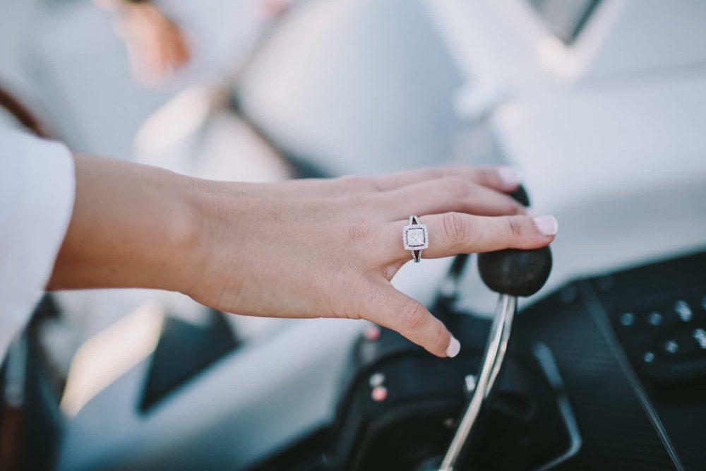 boda-marinera-en-santander-anillo-de-compromiso www.bodasdecuento.com