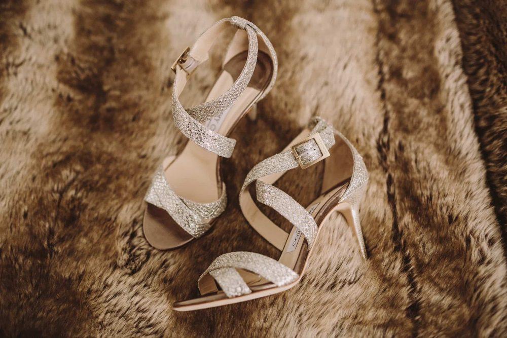 boda-marinera-en-santander-zapatos-novia-jimmy-choo www.bodasdecuento.com
