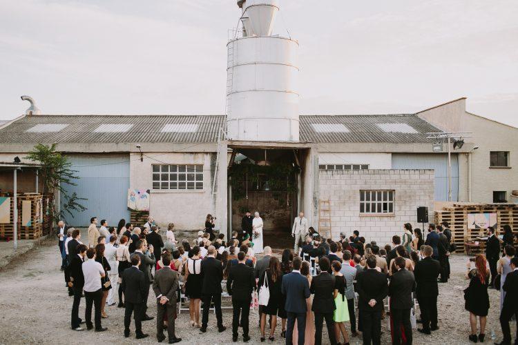 invitados-boda-industrial