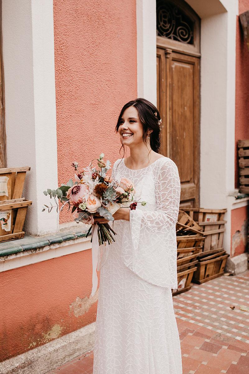 Boda en casa indiana Barcelona vestido de novia boda boho www.bodasdecuento.com